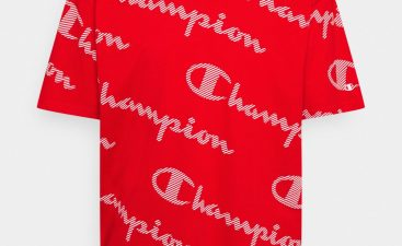 Advantages of Selling a Champion T Shirt